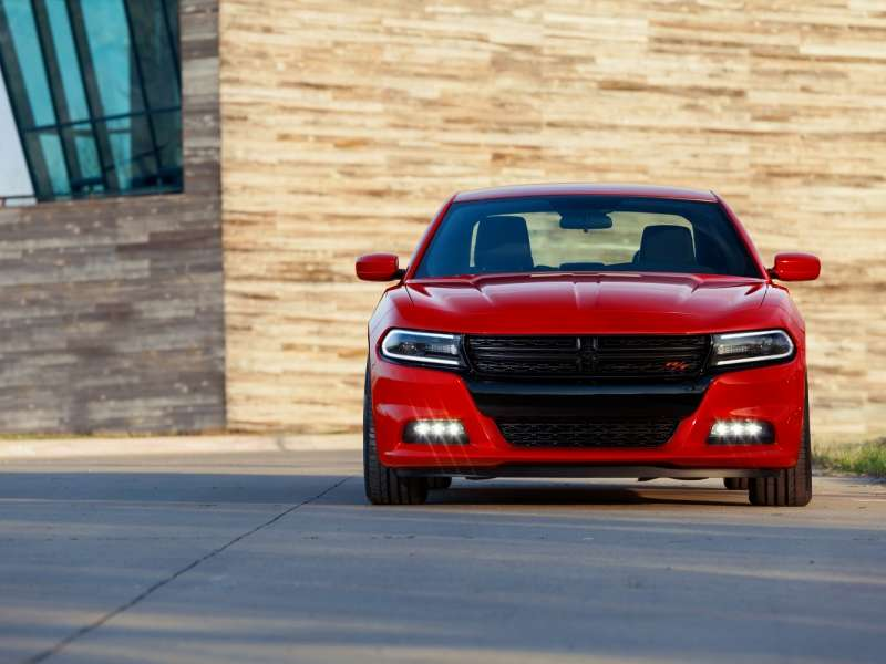 10 of the Best V-6 Sedans For 2015
