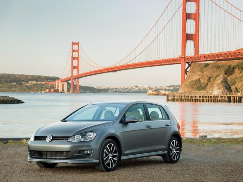2015 Volkswagen Golf Targets Car-of-the-Year Hat Trick