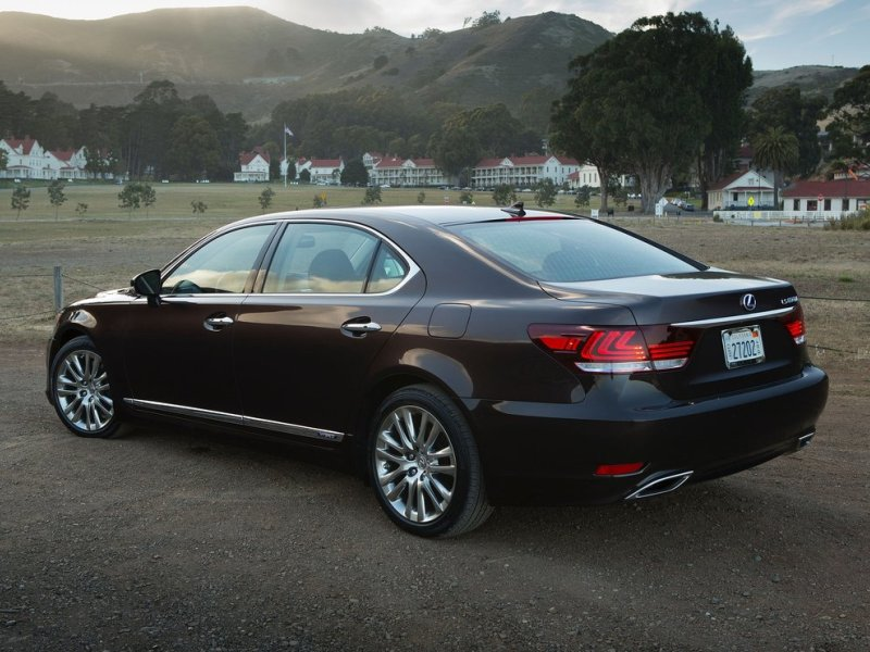 10 Best American Luxury Cars: 10 Of The Best Luxury Sedans