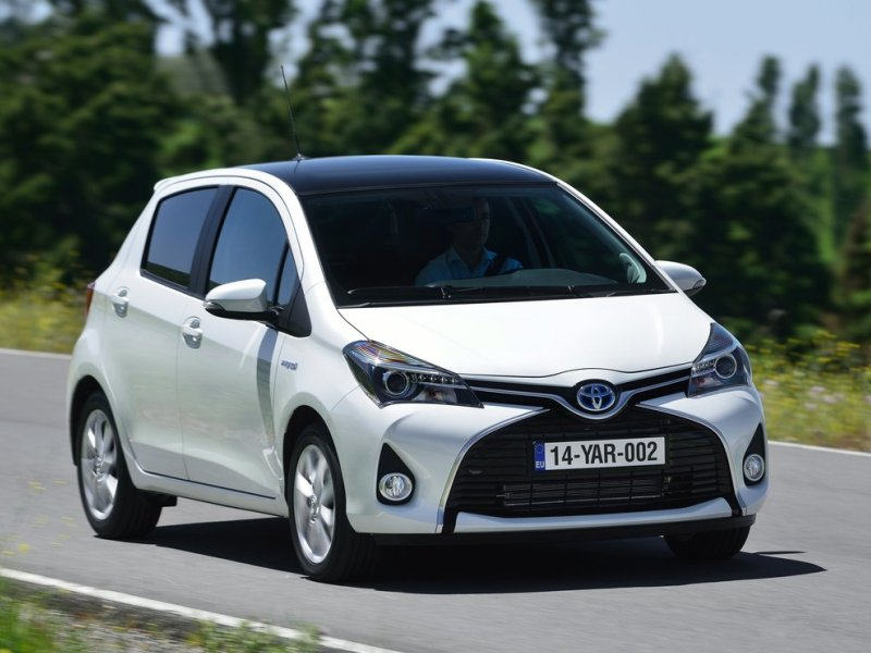 2015 toyota yaris first drive review. Black Bedroom Furniture Sets. Home Design Ideas