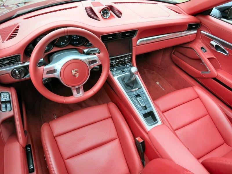 porsche 2015 911 interior. features and controls whatu0027s new the 2015 porsche 911 interior