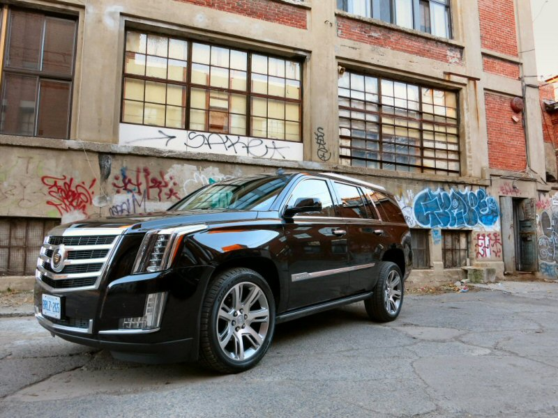 2015 Cadillac Escalade Luxury SUV Review | Autobytel.com