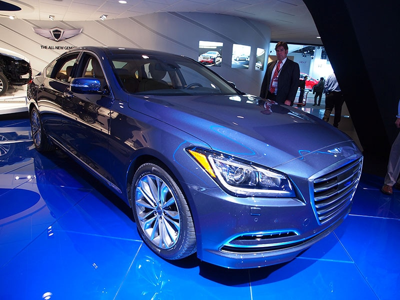 Popular Mechanics Names 2015 Hyundai Genesis Lux Car of the Year
