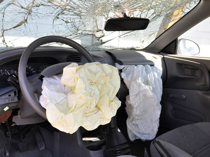 what speed does an airbag go off auto cars. Black Bedroom Furniture Sets. Home Design Ideas