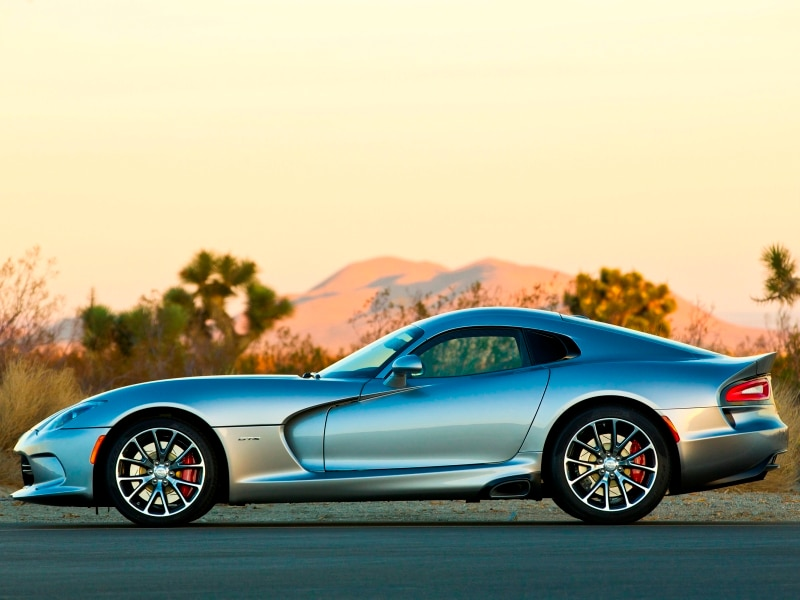 Two Special Models Debut For Resurgent 2015 Dodge Viper | Autobytel.com