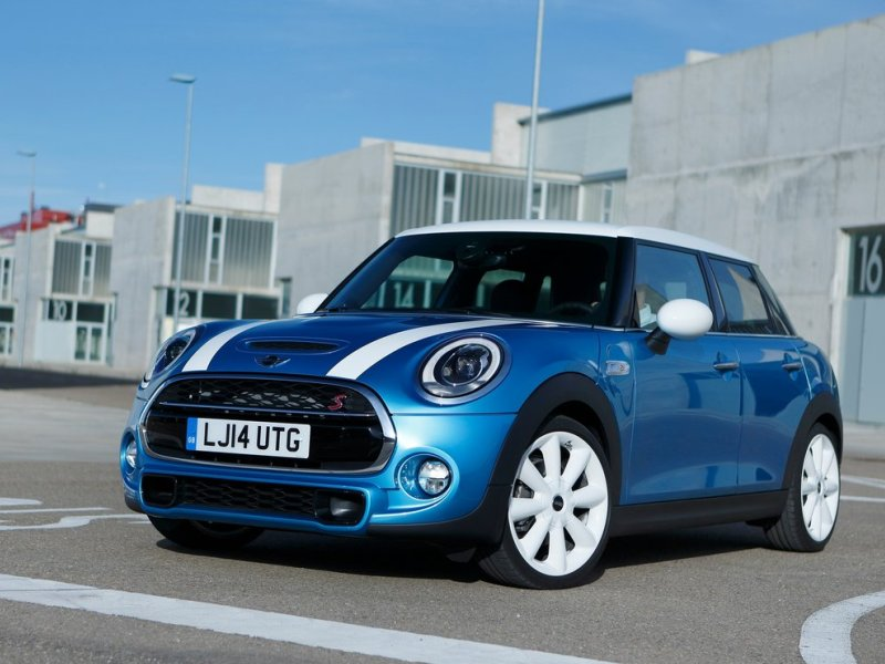 The 2017 Mini Cooper Adds A Four Door Option