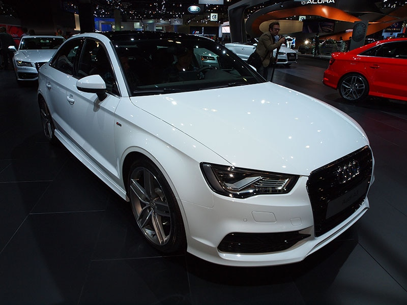 four rings 5 stars 2015 audi a3 earns top overall nhtsa test score. Black Bedroom Furniture Sets. Home Design Ideas