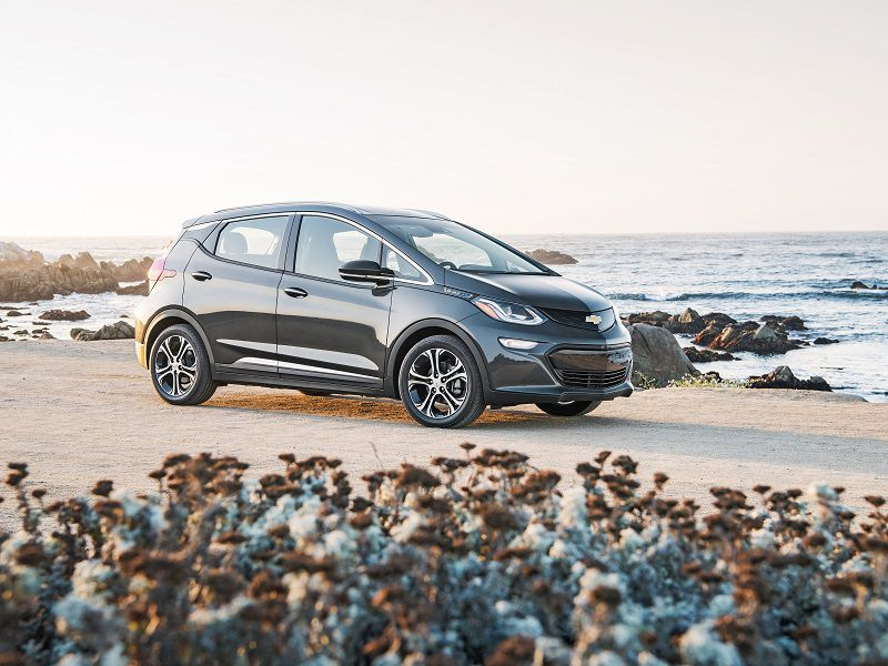 2019 Chevrolet Bolt EV Gray Front Three Quarter HERO