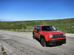2015 Jeep Renegade Subcompact SUV First Drive and Review