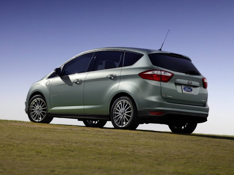 Styling The Truncated Ovoid Shape Of Ford S C Max