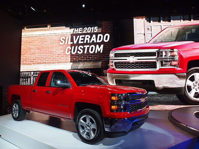 2015 chevrolet silverado custom preview 2015 chicago auto show. Black Bedroom Furniture Sets. Home Design Ideas