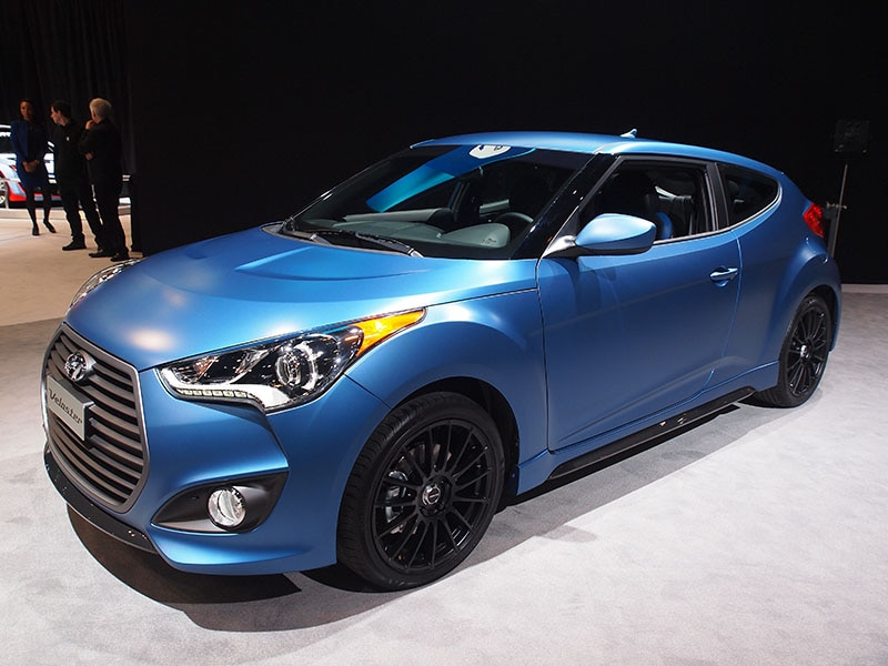2016 hyundai veloster preview 2015 chicago auto show. Black Bedroom Furniture Sets. Home Design Ideas