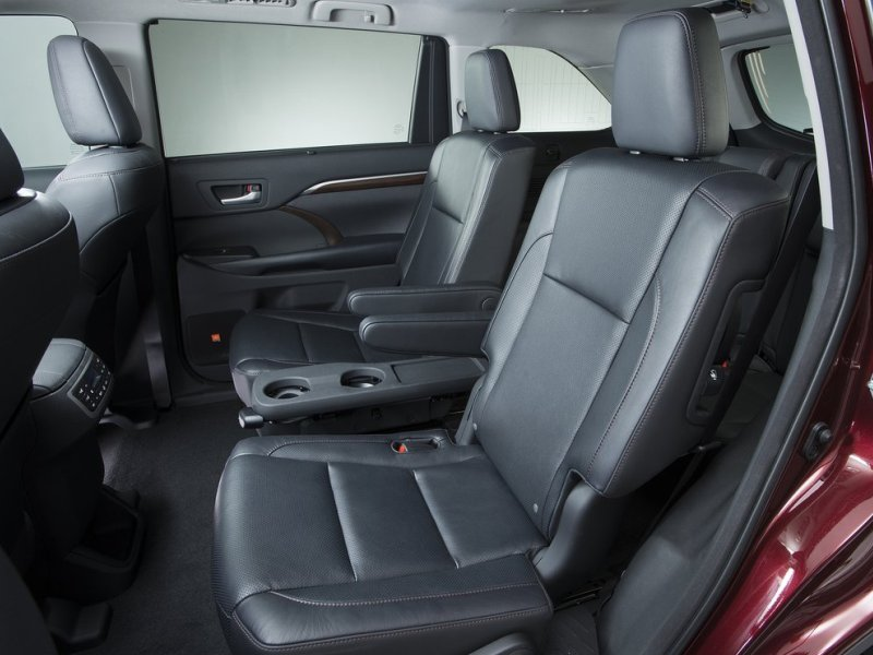10 SUVs with Second-Row Captain's Chairs | Autobytel.com