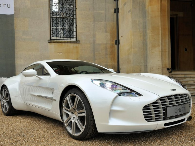 8 Aston Martin One 77
