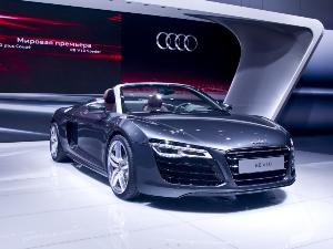 10 Things You Should Know About The 2017 Audi R8 Autobytel Com