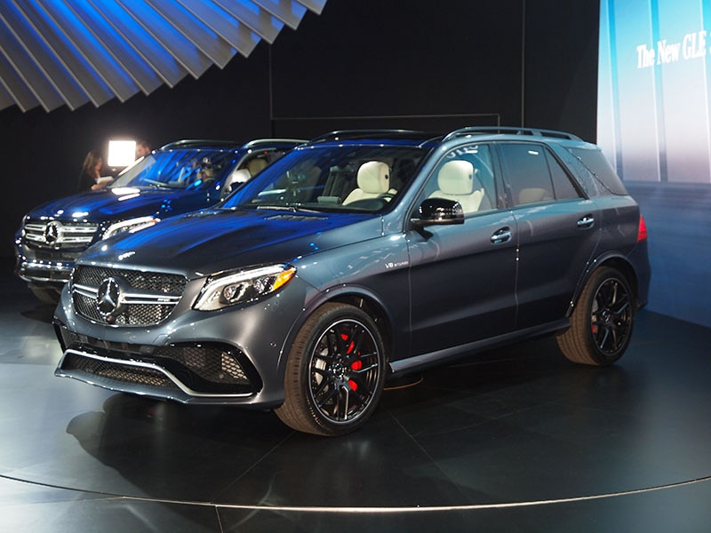 Perfect 9) 2016 Mercedes Benz GLE300d 4MATIC