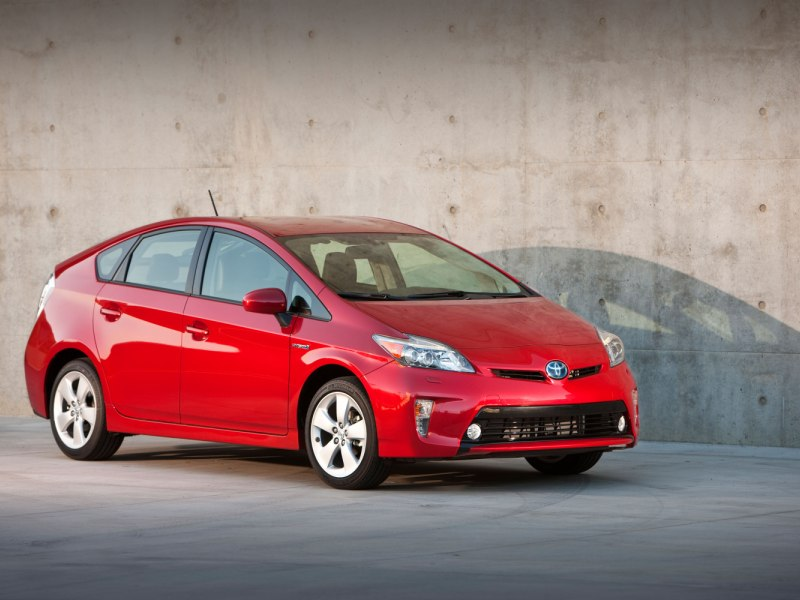2017 Toyota Prius Road Test Review