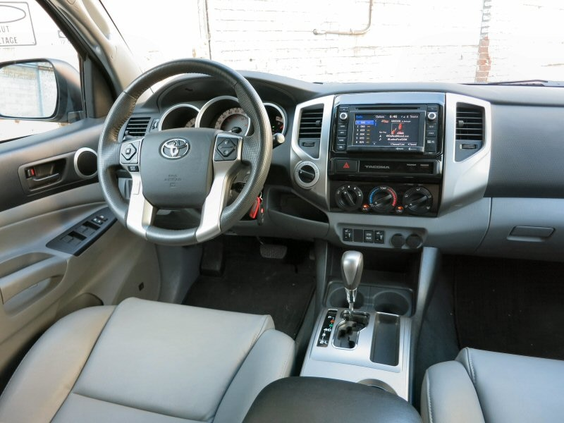 Features And Controls. Whatu0027s New: The 2015 Toyota Tacoma ...