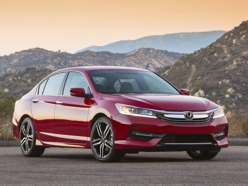The Best 30-MPG Sedans For 2016 | Autobytel.com