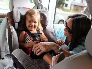 11 Tips on How to Keep Baby Calm and Entertained in the Car
