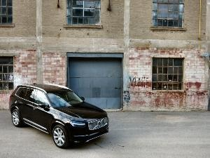 2016 Volvo XC90 Road Test and Review