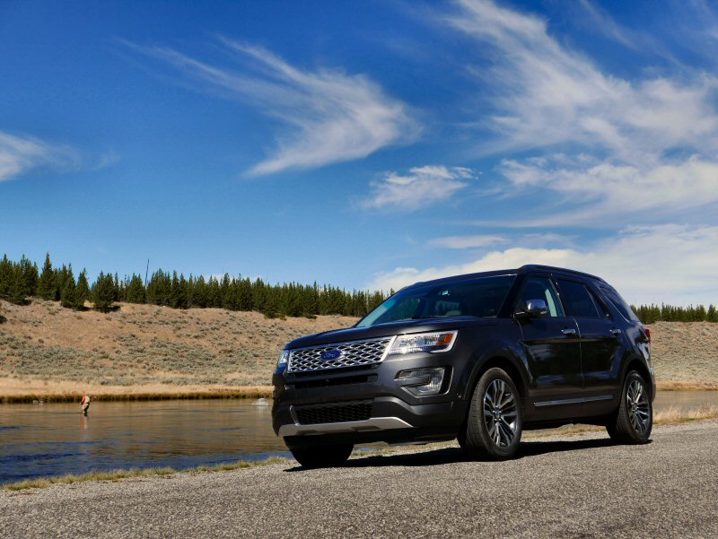 2016 ford explorer platinum first drive and review. Black Bedroom Furniture Sets. Home Design Ideas