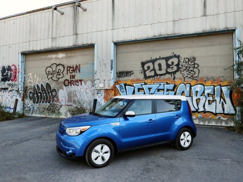 2015 Kia Soul Ev Road Test And Review Autobytel