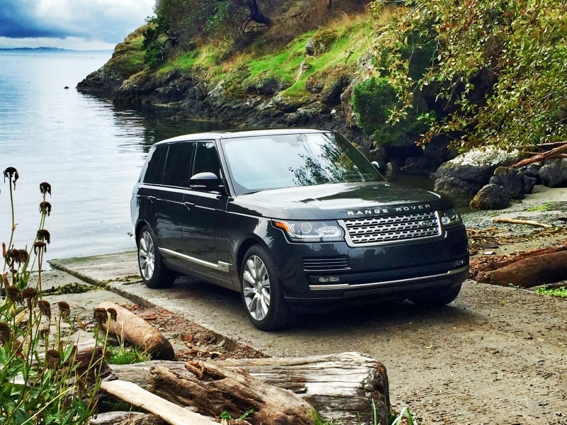 https://img.autobytel.com/car-reviews/autobytel/130423-10-things-you-need-to-know-about-the-2016-land-rover-range-rover-lwb/2016RangeRoverFront3-4.jpg