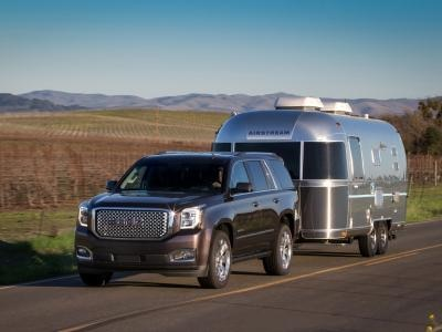 Best Midsize Suv Towing >> 10 Of The Best Suvs For Towing A Trailer Autobytel Com