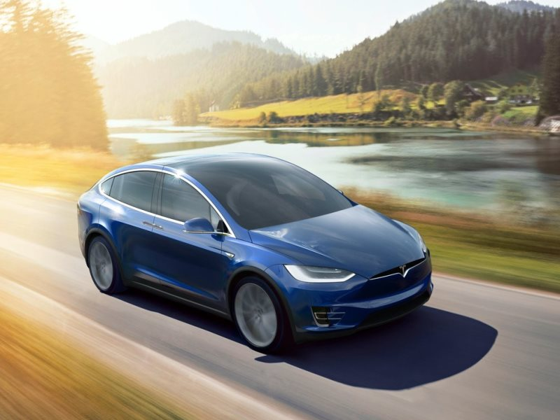 6 2016 Tesla Model X