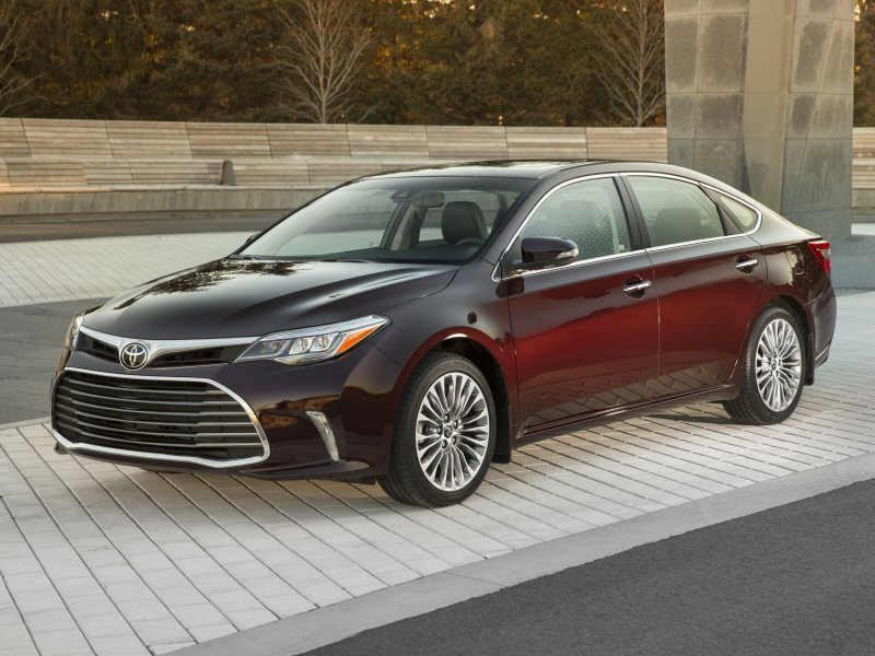 2016 Toyota Avalon First Drive and Review | Autobytel.com