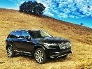 2016 Volvo XC90 front three-quarter