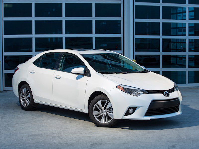 10 things you need to know about the 2016 toyota corolla. Black Bedroom Furniture Sets. Home Design Ideas