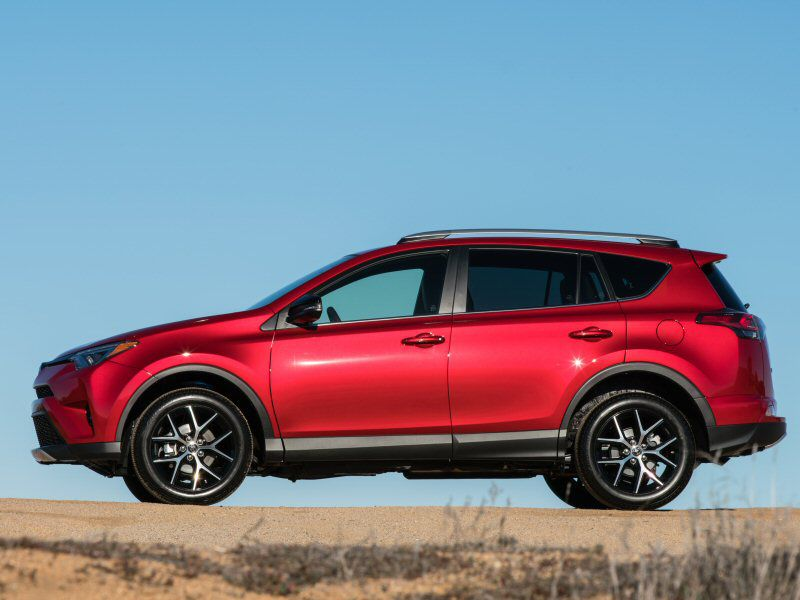 Toyota Rav4 Se Is More Style Than Substance