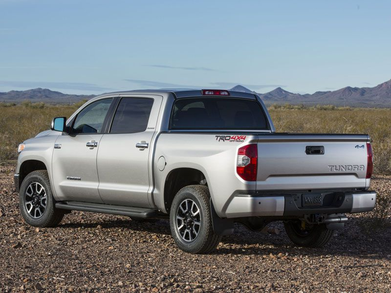 1 The 2016 Toyota Tundra Is American Kinda