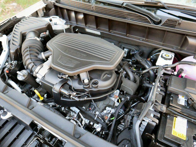 2017 Cadillac XT5 Road Test and Review | Autobytel.com