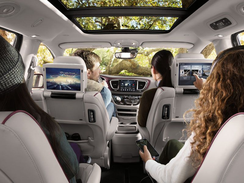 Car Seat Safety Check >> The 5 Best Family Vans and Why | Autobytel.com