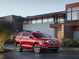 2017 GMC Acadia: Pros and Cons