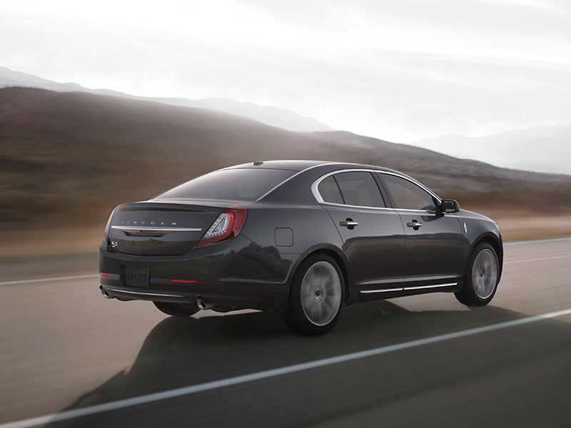 2016 Lincoln MKS Road Test and Review | Autobytel.com