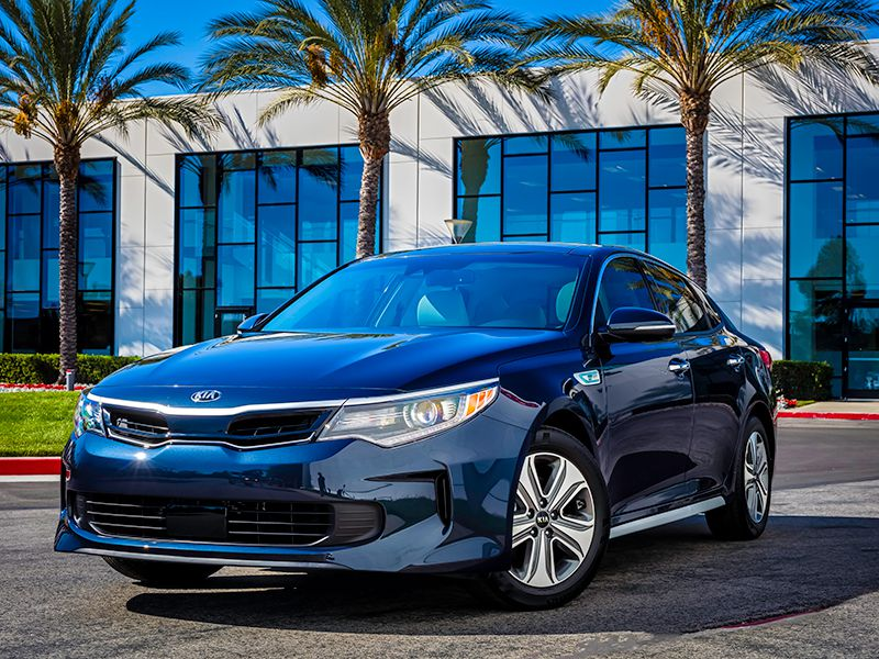 10 Hybrid Cars With 5 Star Safety Ratings