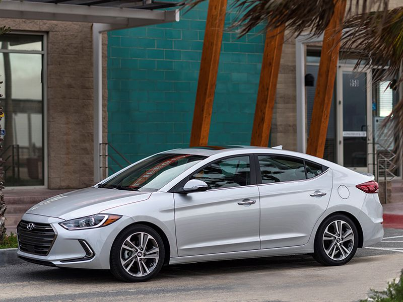 Hyundai Elantra S Freshly Updated Compact Sedan