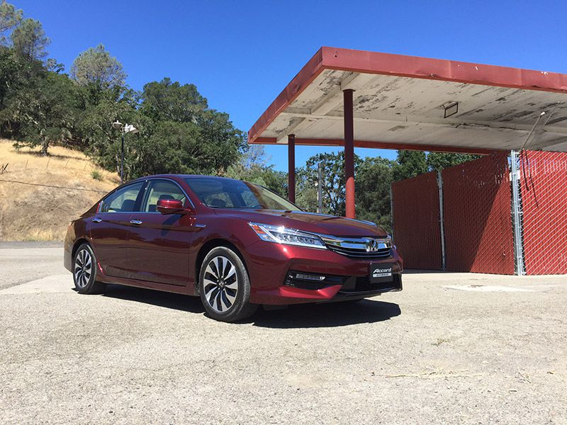 12 Things You Need to Know About the 2017 Honda Accord Hybrid