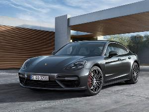 10 Things You Need to Know About the 2016 Porsche Panamera S and Turbo