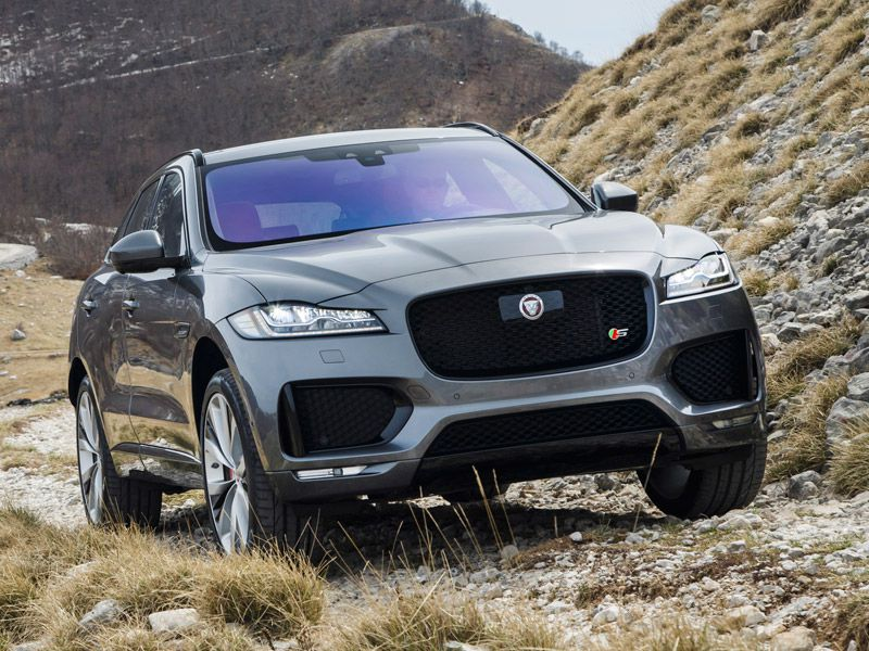 10 things you need to know about the 2017 jaguar f pace. Black Bedroom Furniture Sets. Home Design Ideas