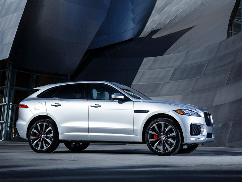 10 Things You Need to Know About the 2017 Jaguar F-PACE