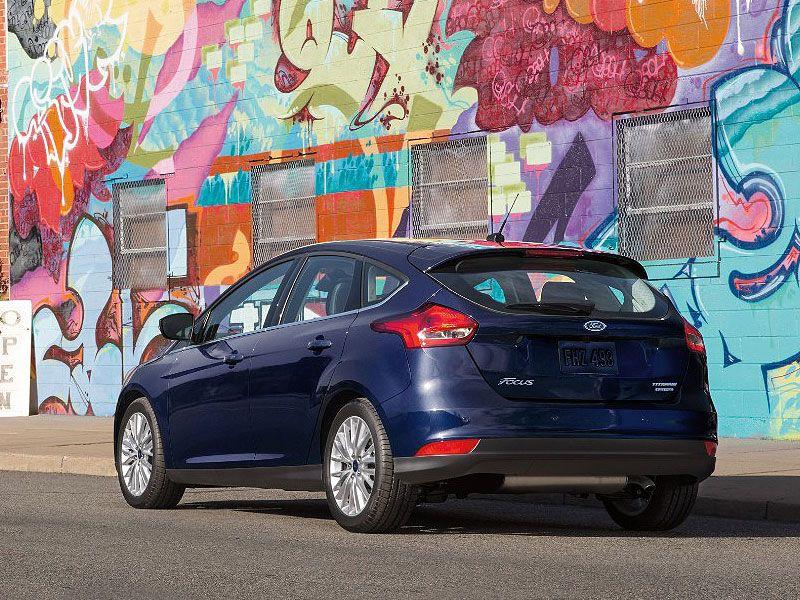 2016 Ford Focus & 10 Best Self Parking Cars | Autobytel.com markmcfarlin.com