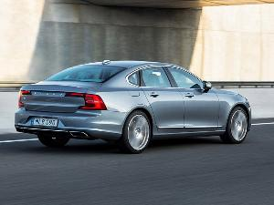 2017 Volvo S90 Road Test and Review