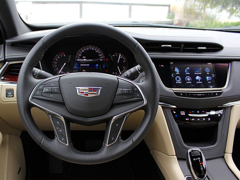 10 things you need to know about the 2017 cadillac xt5. Black Bedroom Furniture Sets. Home Design Ideas