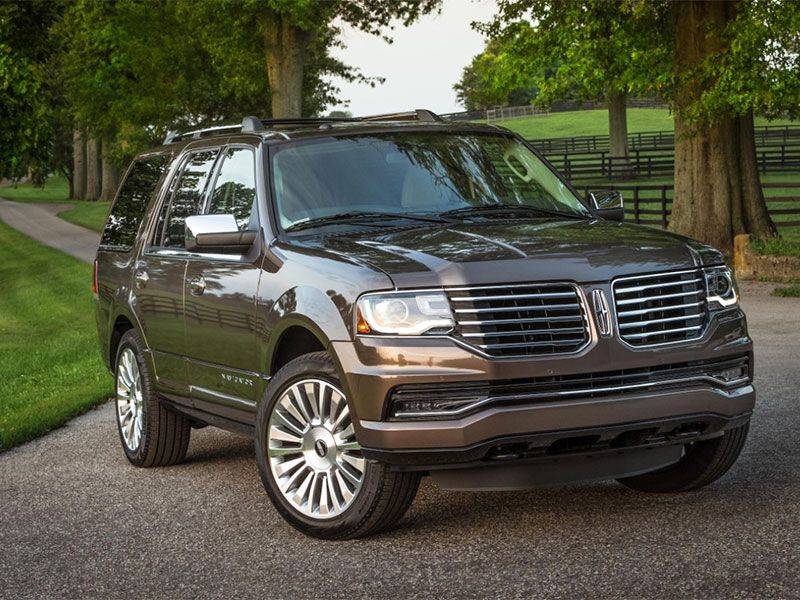 2016 Lincoln Navigator Road Test and Review | Autobytel.com