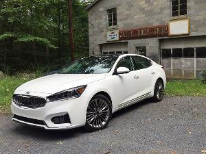 2017 Kia Cadenza Road Test and Review